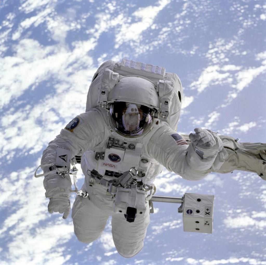 astronaut bone strength